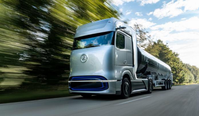 Daimler unveils Mercedes-Benz GenH2 hydrogen tractor concept