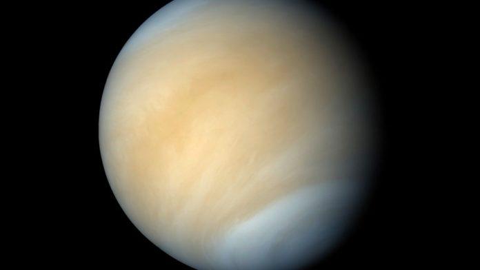 Phosphine's Presence indicates Presence of life on Venus